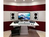 Zaor IDESK 19 inch studio furniture white. Rack your Preamp, Compressor, EQ, API Lunchbox.