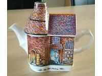 Sadler English country houses teapot