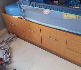 Single bed cabin bed