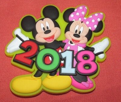 (NEW ORIGINAL DISNEY MICKEY & MINNIE MOUSE YELLOW WAVING 2018 SOFT TOUCH MAGNET)