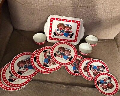 Vintage 14 Pc Raggedy Ann & Andy Toy Tin Dishes