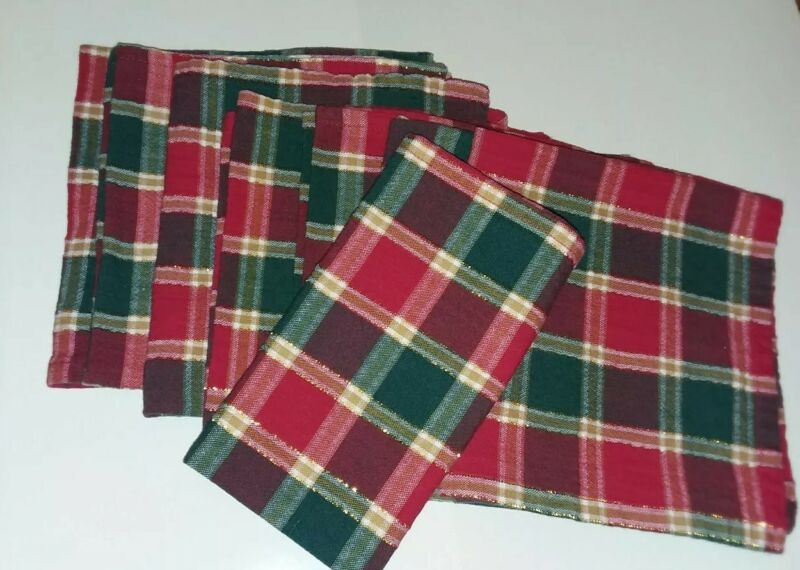 Christmas dinner napkins Set of 8 square 95 % cotton red green plaid