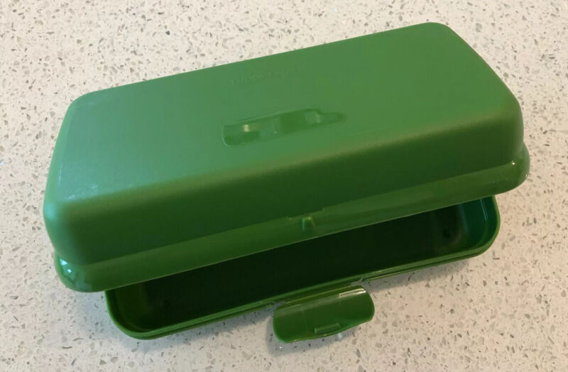 New Tupperware Sub Sandwich Keeper Green With Free Tupperware Gift
