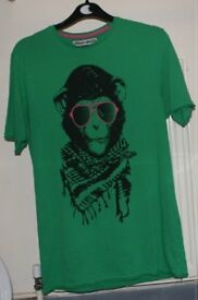 BNWT Banksy inspired Urban Monkey t-shirt from Urban Minds (small) green