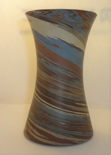 "Vintage Niloak Mission Swirl Pottery Vase 4 3/8"" Tall - Partial Paper Label"