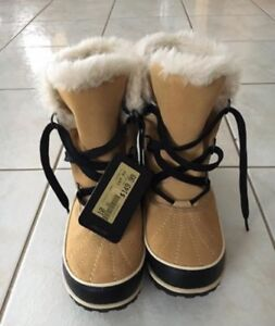 Brand new with tags Women's Sorel Winter Boots Size 10