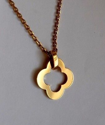 Van Cleef & Arpels Byzantine Alhambra Pendant (Large) Necklace in 18 Yellow Gold