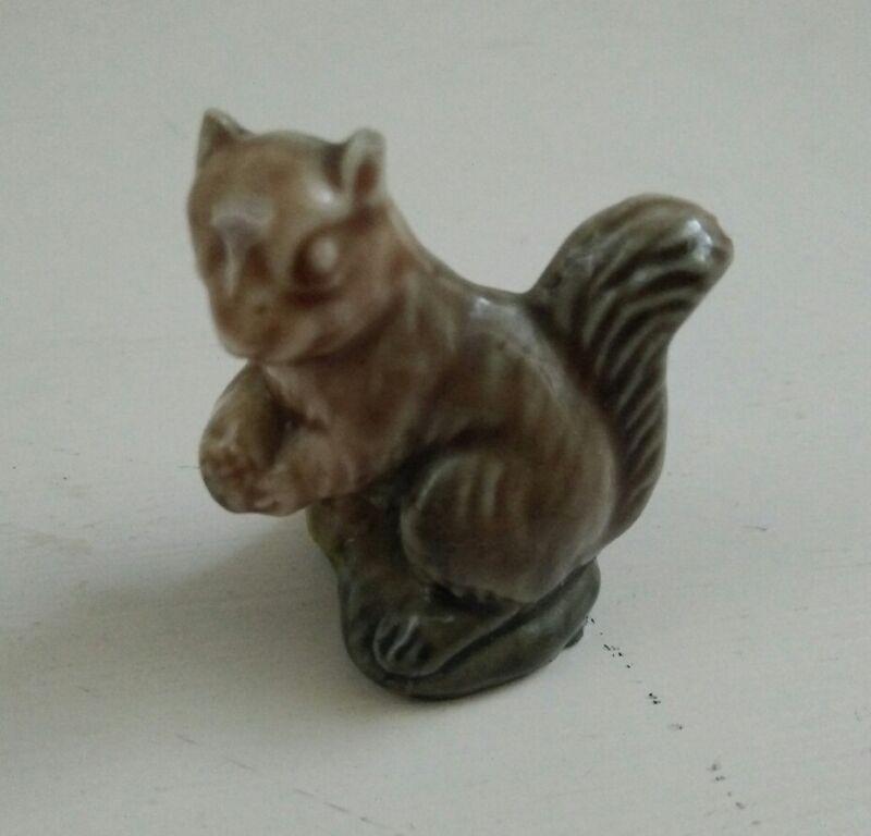 Wade miniature porcelain figurine squirrel