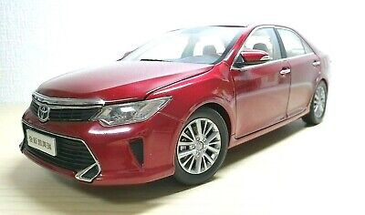 1/18 Dealer Limited 2015 TOYOTA CAMRY RED diecast car model