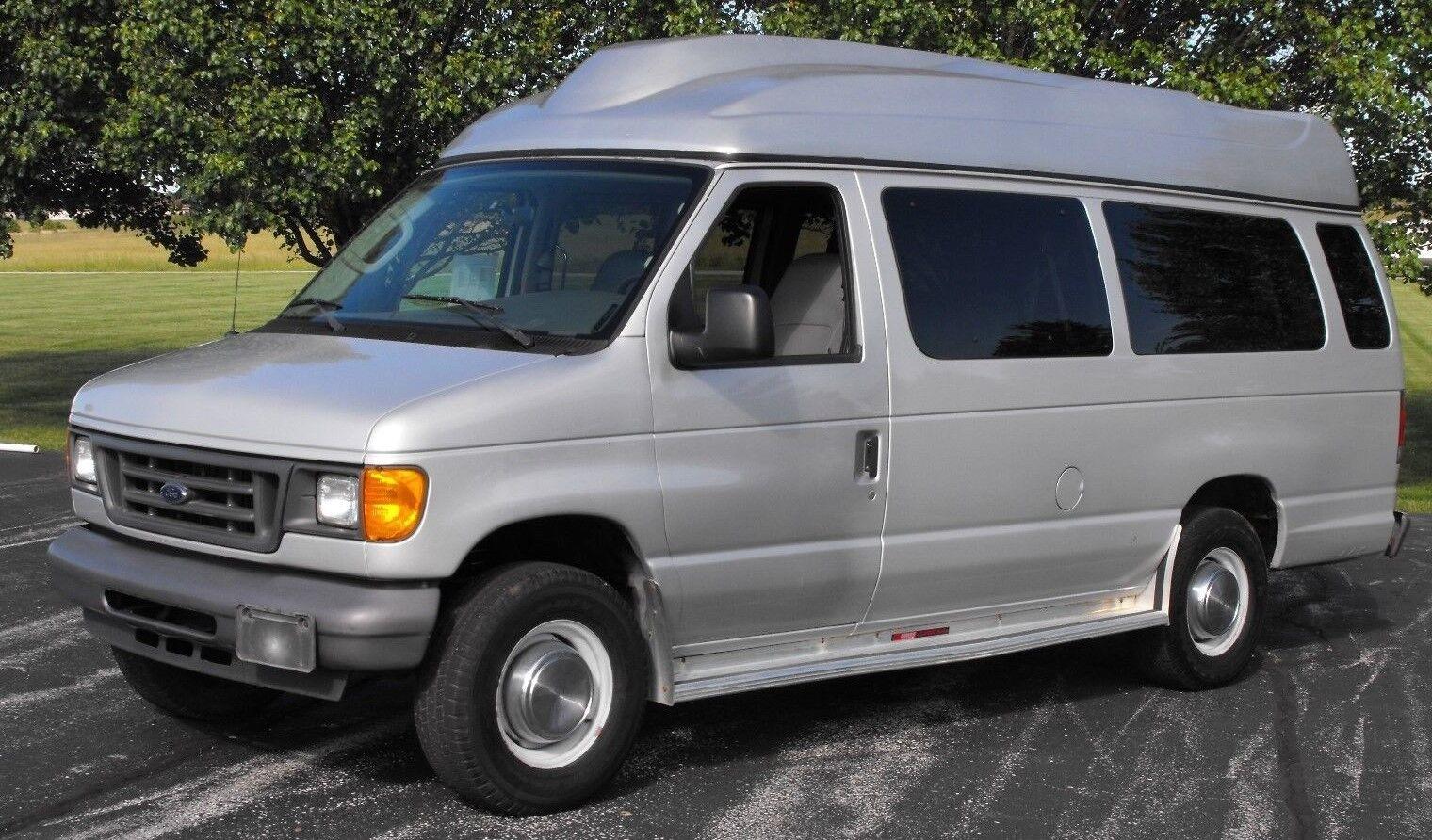 2006 ford e 350 xlt 15 passenger van with wheelchair lift. Black Bedroom Furniture Sets. Home Design Ideas