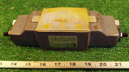1 NEW CONTINENTAL HYDRAULICS N12S-33-GB-C FLOW CONTROL VALVE NNB **MAKE OFFER**