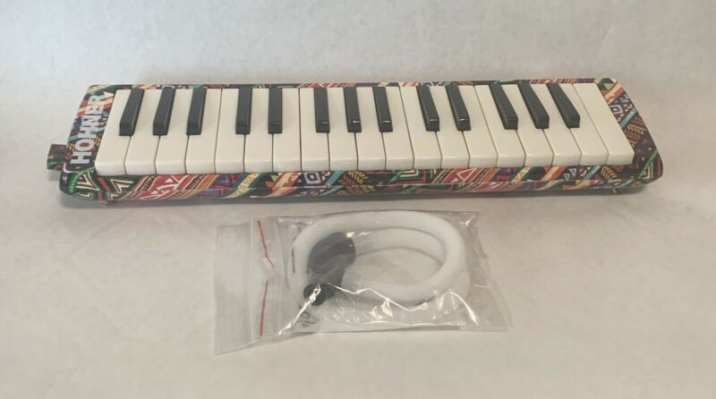 Hohner Airboard 32-Key Melodica With Unused Hohner Universal Mouthpies And Pipe
