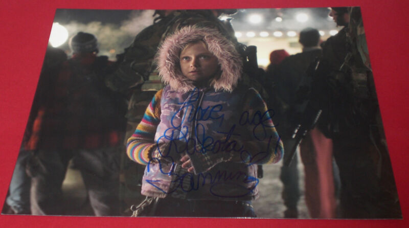 DAKOTA FANNING SIGNED WAR OF THE WORLDS 11X14 BIG PHOTO AUTOGRAPH COA SPIELBERG