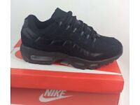 Size 10 all black Nike 110's Unworn trainers