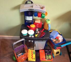 PLAY KITCHEN, PLAY FOOD AND OTHER ITEMS