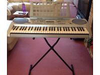 Yamaha Portatone Electronic Keyboard PSR-275 batteries or mains with stand