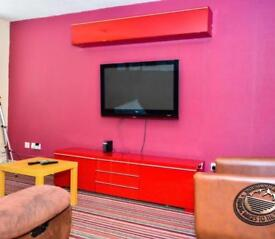 2 Bedroom share rooms Available + Bills inclusive in Oxford road Manchester 5 Mint from City Centre