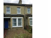 Spacious 4 bed House on Cherry Hinton Road Close to City Centres and Addenbrookes Hospital