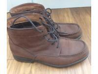 Men's boots size 10.