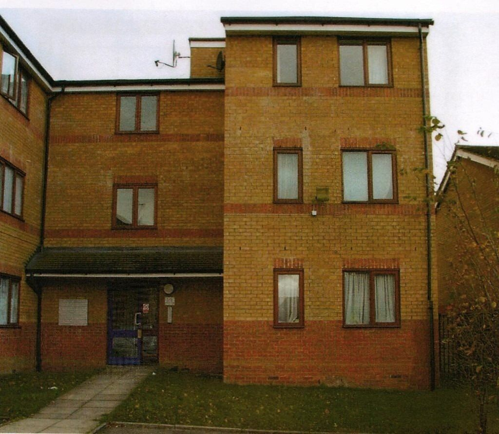 1 bedroom flat in Draycott Close,, Cricklewood
