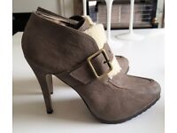 Grey High Heel Shoe Boots w/Shearling Detail - SIZE 8 [Worn Once]