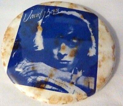 """BOWIE """" Vintage 1970's - 1980's Button / BIN LID Badge  2 ¼  """"  ***"""