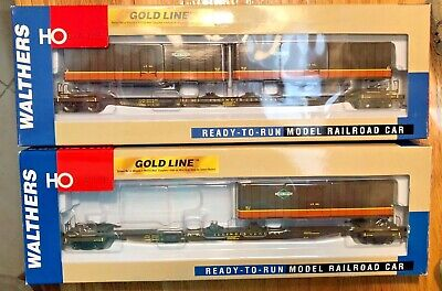 HO Walthers Two Gold Line Illinois Central Flexi-Van Flat Car with Trailers.  Flexi Van Flat Car