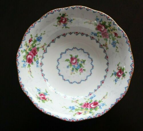 "Vintage Royal Albert ""Petit Point"" 5 1/2 Inch Bone China Dessert Fruit Bowl"