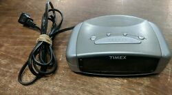 Timex Model T109S Extra Loud Alarm Clock Tested Working Battery Back Up Red LED