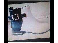 Boohoo ankle boots unworn new 4 buckle