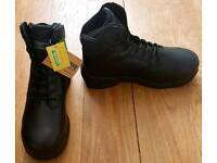 MAGNUM SAFETY BOOTS BRAND NEW