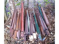 28 MET POSTS - VARIOUS SIZES. ALL USABLE FOR FENCING PROJECTS DIY OR PRO etc.
