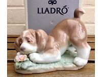 LLADRO -A SWEET SMELL- ANIMAL FIGURE MODEL 6832 BOY GIRL BABY DOG PUPPY FLOWER -BOXED-