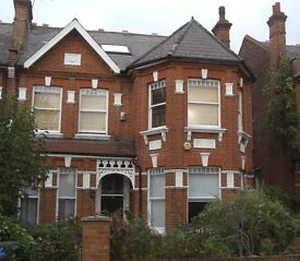 1-BED FLAT NW2, W/Hampstead Border, Spacious 1st Floor Flat, Nice Area, 5-mins Walk to Tube, Zone 2