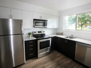 Newly Renovated 3 Bedroom Townhome - Hamilton - Pet Friendly!