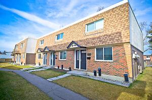 Oak Hill Estates - 6440 Centre St. NE