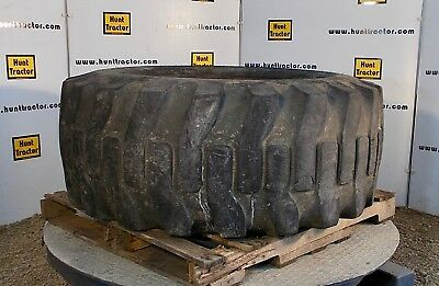 Used Armstrong 12 Ply 20.5 x 25 Tire