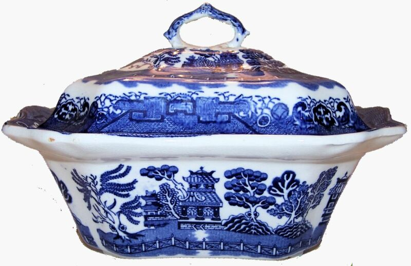 Antique Vintage Covered Vegetable - Oriental Style - Blue Willow Pattern