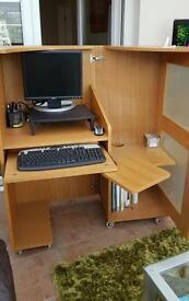 Oak expandable workstation desk