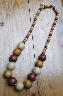 Vintage Chunky Wooden Bead Necklace/1960's/70's/Retro/Hippy/Light & Dark