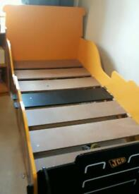 Single bed digger with toy storage.