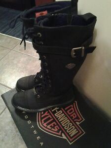 LIKE NEW * WOMENS HARLEY BOOTS *$100 GREAT CHRISTMAS GIFT