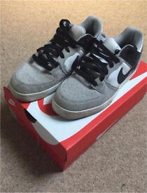 Boys Nike trainers size 6