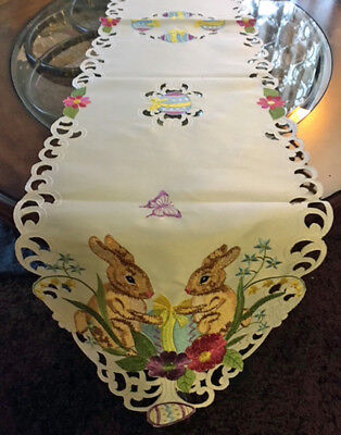Easter & Spring Decor Table Runner Vintage Style Easter Bunny Easter Egg Runner