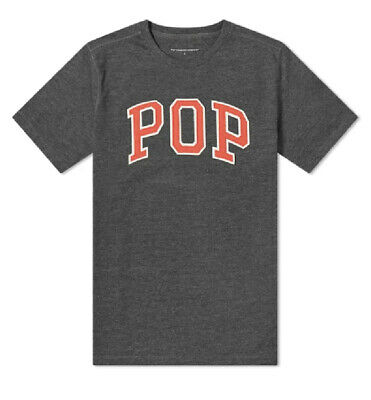 POP TRADING COMPANY Arch T-Shirt in Charcoal/Red - Medium