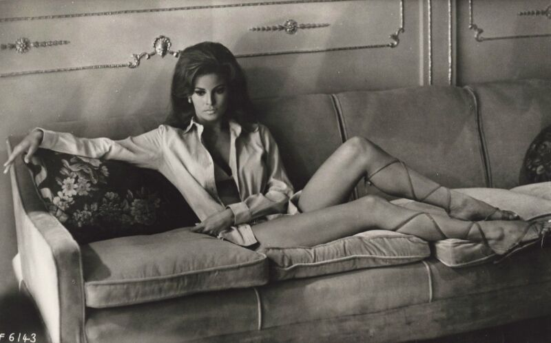 Raquel Welch Sitting On The Couch 8x10 Photo Print