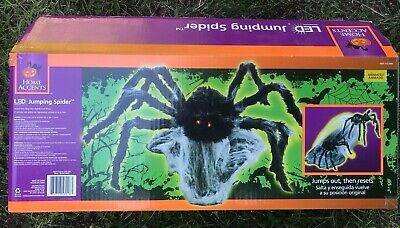 NEW open box ANIMATED ATTACK SPIDER SPIRIT HALLOWEEN PROP BLACK Jumping Spider