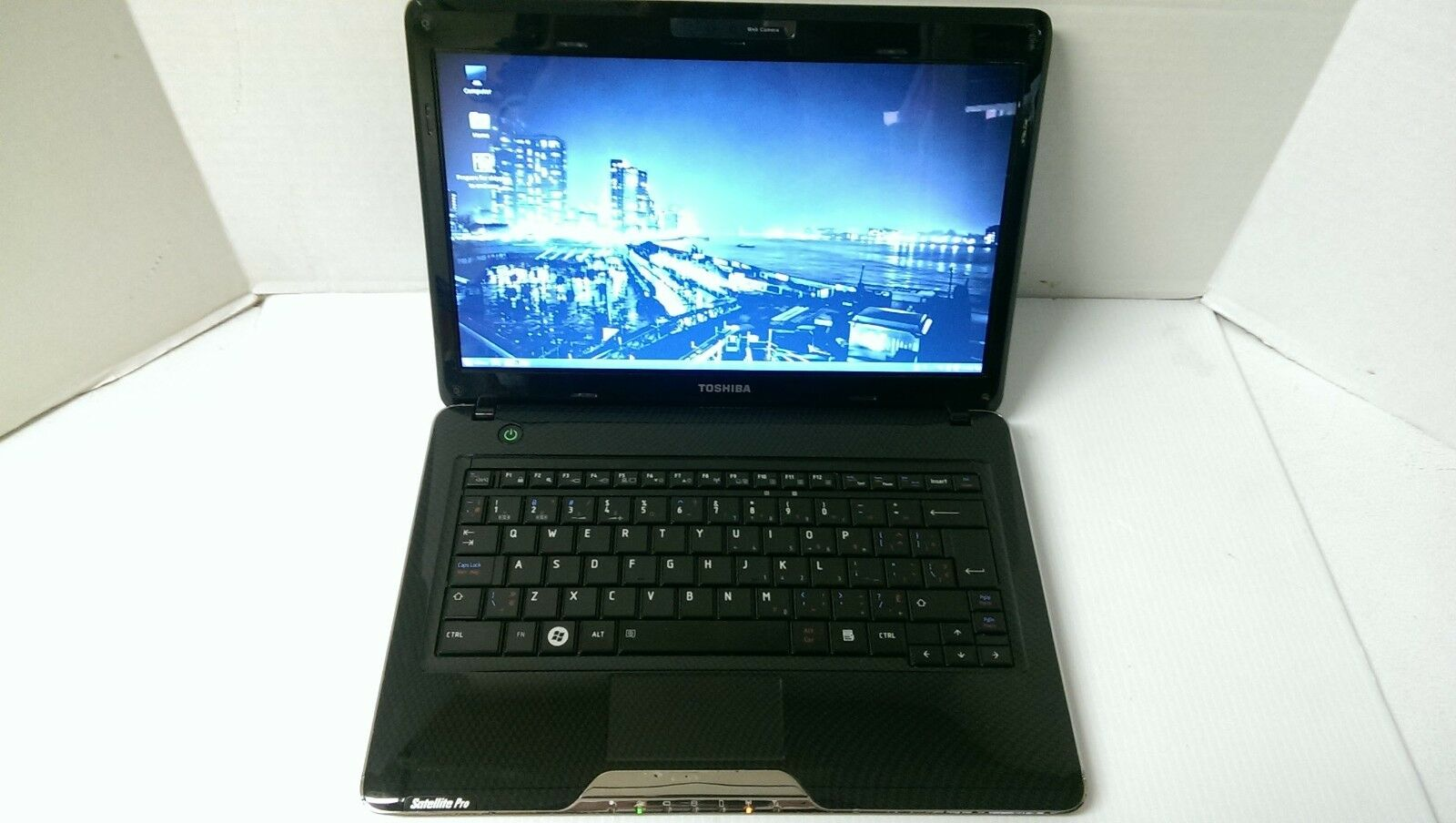 Toshiba Satellite Pro T130 Ultra Portable Windows 10 Laptop Core 2 Duo U9400