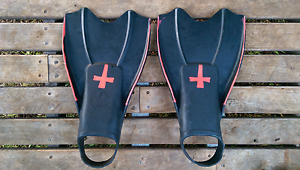 Body boarding or body surfing fins / flippers - large (men's) Ewingsdale Byron Area Preview