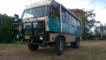 4WD bus Motorhome (GO ANYWHERE!)